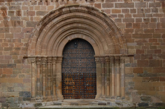 monasterio3portadaiglesia