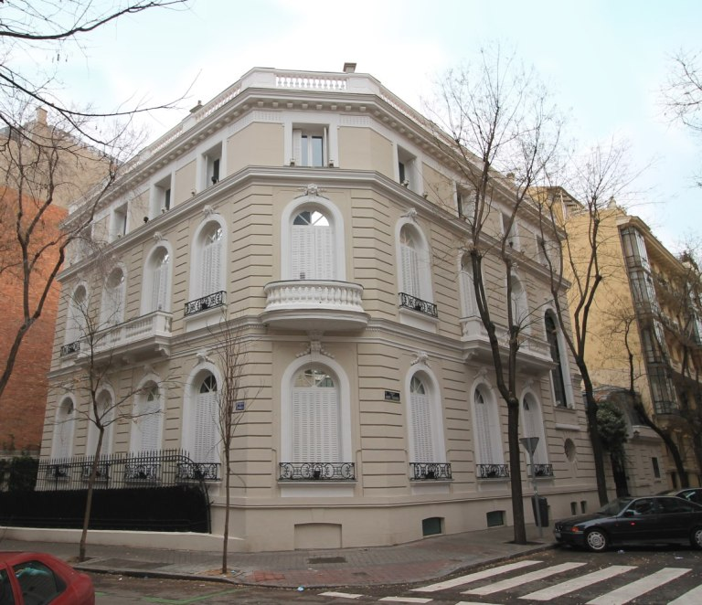 Palacete_del_Duque_de_Plasencia_Madrid_01