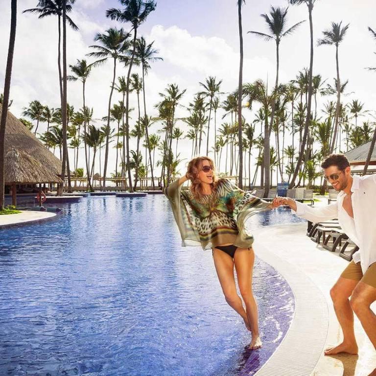339-swimming-pool-3-hotel-barcelo-bavaro-beach_tcm7-36803_w1024_h1024_n