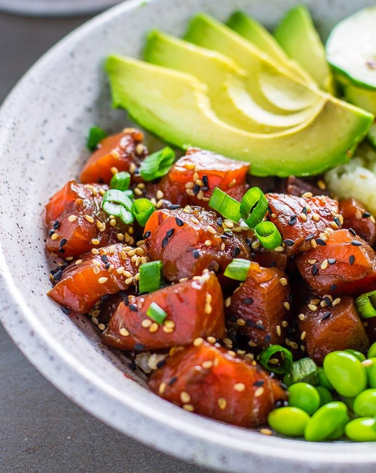 salmon-poke-bowl-with-cauliflower-rice-3